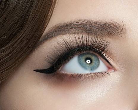 How to apply gel eyeliner with a brush